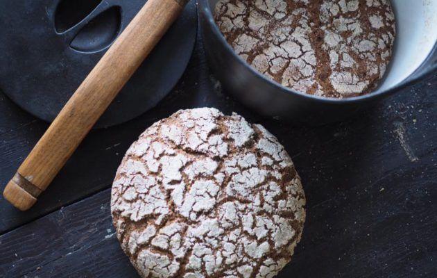 Suomen kansallisruoaksi on valittu ruisleipä. Hapatettu ruisleipä syntyy myös kotikeittiössä ilman leivinuunia ja taikinajuurta, kun sen tekee pataleipänä ruisleipäaineksista.