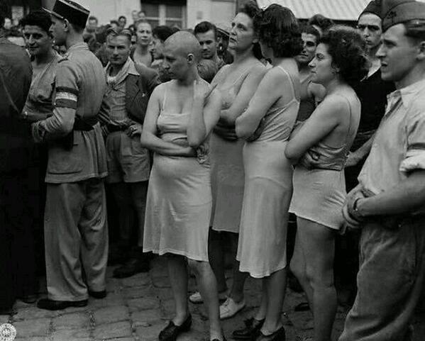 Savaş sonrasında Nazi Askerleriyle ilişkiye girdikleri gerekçesiyle aşağılanıp,teşhir edilen kadınlar,Fransa,1944...