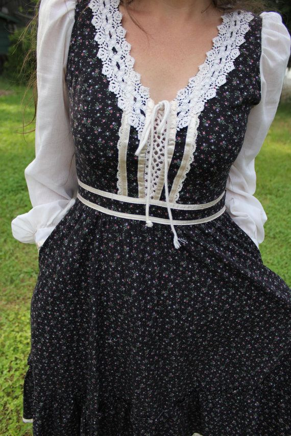 Wildflower Strewn Mid Length Gunne Sax Dress $52.00
