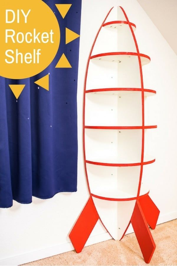 DIY Woodworking Ideas This rocket bookshelf is perfect for a space themed bedroom! Easy to make with j...