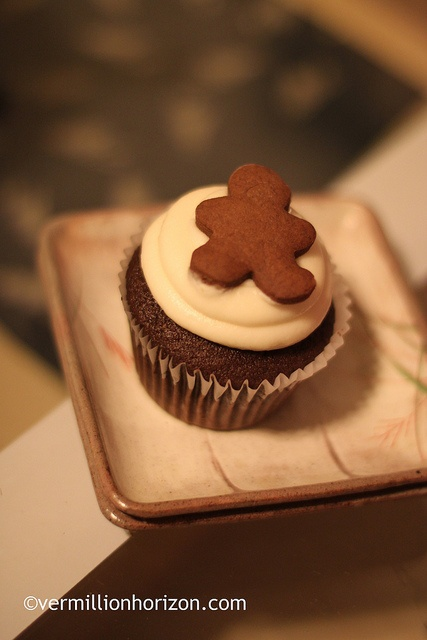 Gingerbread cupcake at Flirty Cupcakes (Chicago, IL)