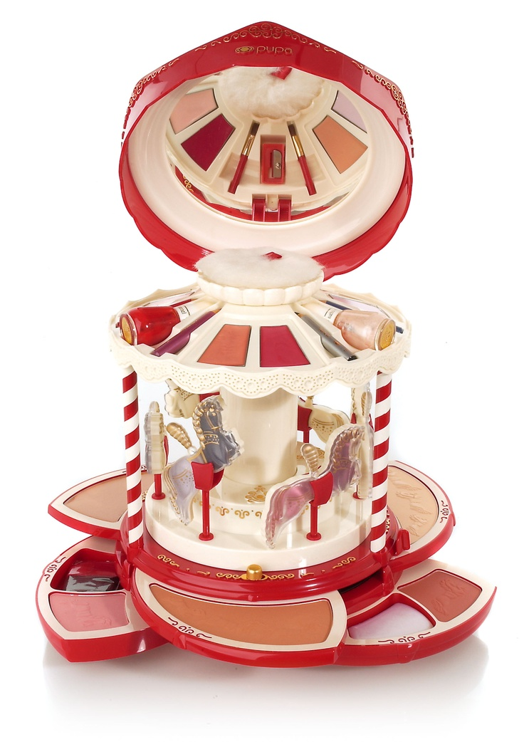 Amazing. Pupa Vintage Carillon carousel makeup box and palette!