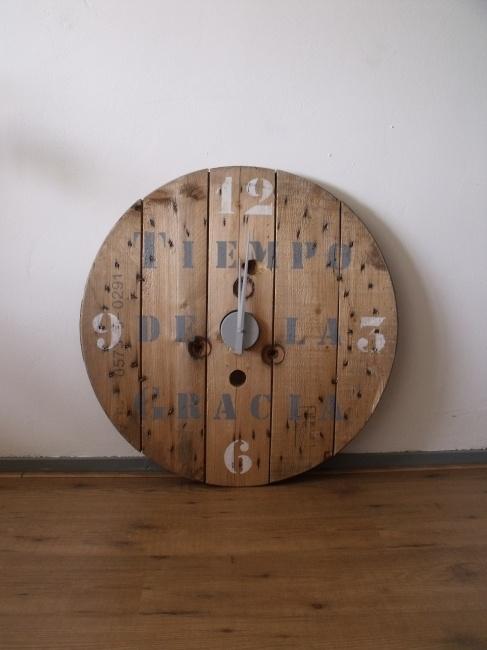 Old reel clock Loïs - Haspelklok Loïs - Creations by Corline