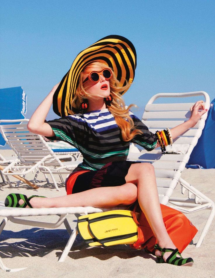 noirfacade: Going To Rainbow Beach | Dree Hemingway by Tommy Ton for Vogue Japan July 2011Fashion Weeks, Beach Style, At The Beach, Life A Beach, Beach Girls, Drees Hemingway, Tommy Ton, Sun Hats, Vogue Japan