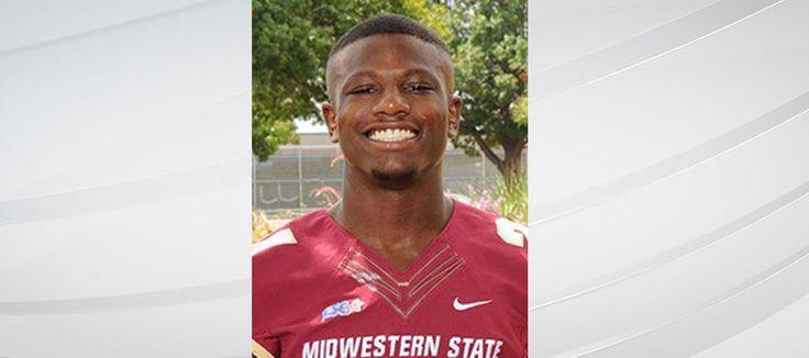 Midwestern State University's student-run newspaper, The Wichitan, reports that cornerback Robert Grays died Tuesday night in Houstob.