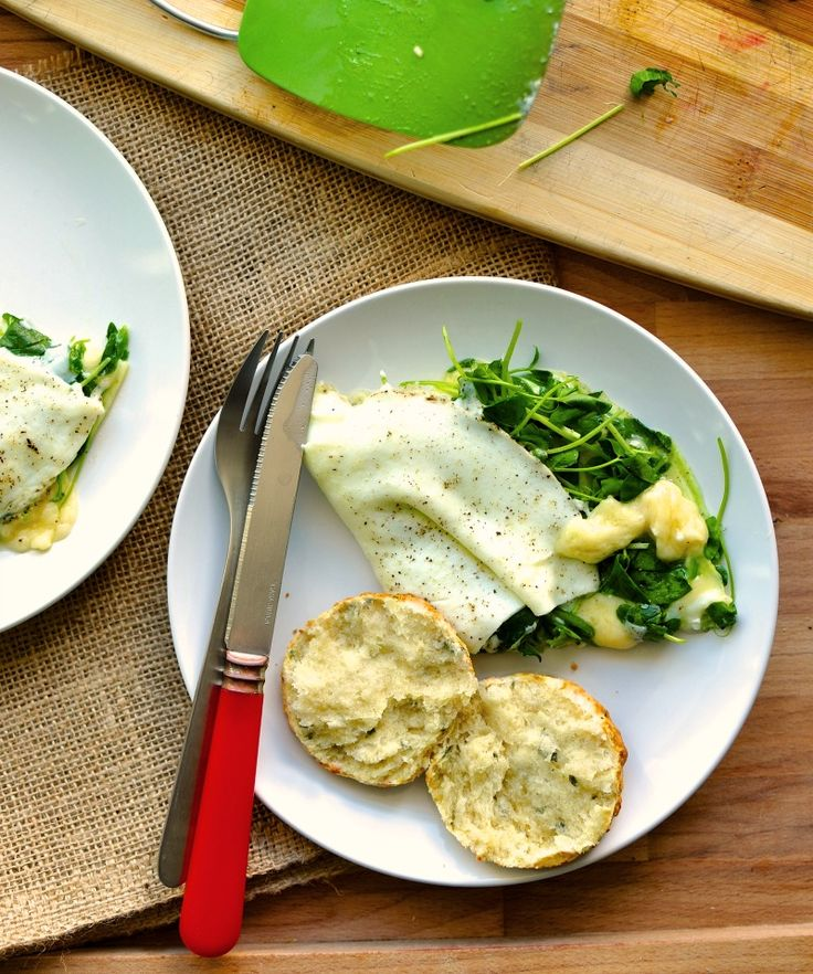 This havarti and pea shoot egg white omelette is simple but delicious. Filled with havarti cheeses and handfuls of pea shoots, it's the perfect, fast meal.