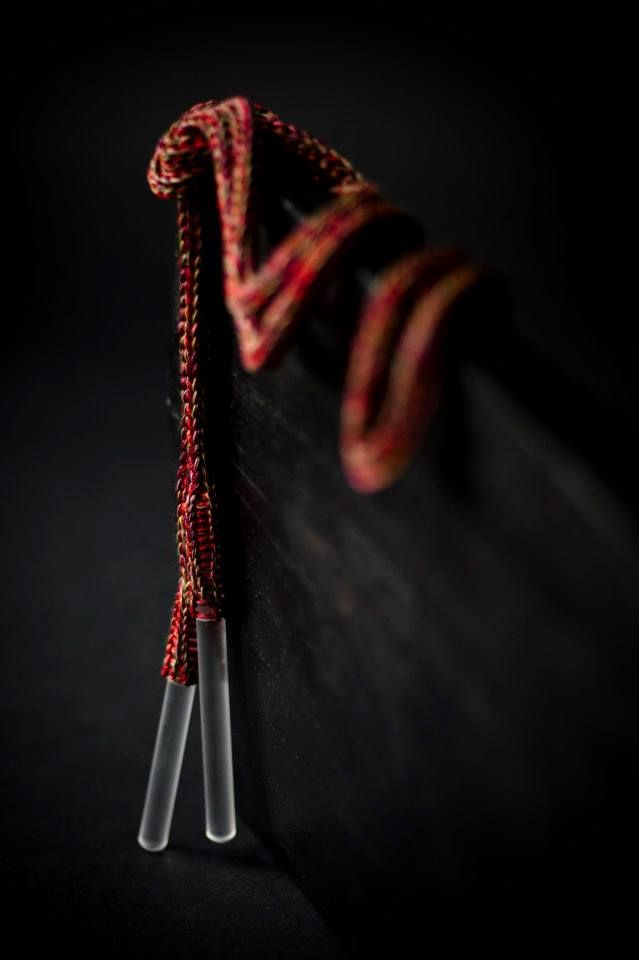 Frédérique Coomans Collier écharpe-ceinture Plexi + tricot