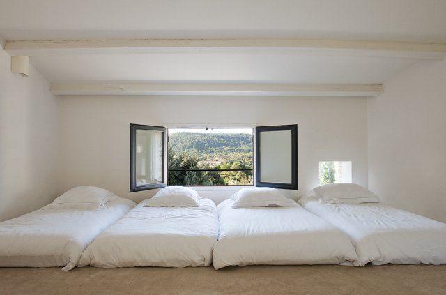 Un dortoir aux couleurs claires
