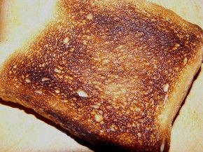 Relatório científico divulgado por agência do Reino Unido alerta para os riscos do consumo excessivo de acrilamida, presente em torradas, batatas assadas e outros alimentos ricos em amido submetidos a altas temperaturas (Foto:  Reprodução/Flicker/Uwe Schubert)