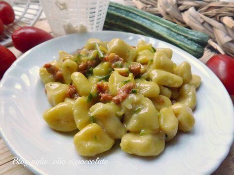 E chi lo dice che gli Gnocchi si fanno solo con le patate? Gnocchi di Ricotta con Zucchine e Salsicce!! sono favolosi semplicissimi da fare