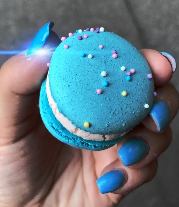 Discover the coolest #macaron #blue #food #freetoedit  images