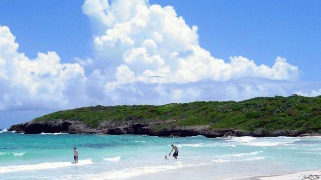 Travel + Leisure: World's Most Romantic Islands     1. Bora Bora  2. Capri, Italy  3. Santorini, Greece  4. Kauai, Hawaii  5. Borocay, Philippines  6. Maldives---going in october  7. Maui---been twice!  8. Moorea  9. Vieques, Puerto Rico---going in may  10. Bali, Indonesia---going in june