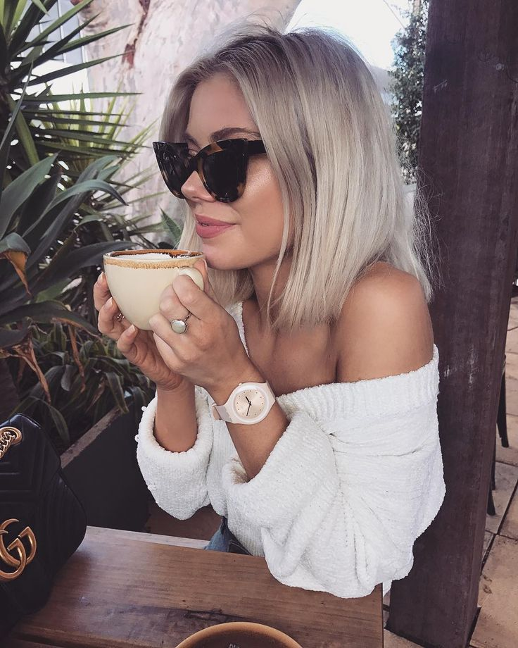 "15.1 k mentions J'aime, 86 commentaires - Laura Jade Stone (@laurajadestone) sur Instagram : ""Winding down after a busy day ☕️ Wearing my @swatch #swatchskin #swatchau #yourmove ✨"""
