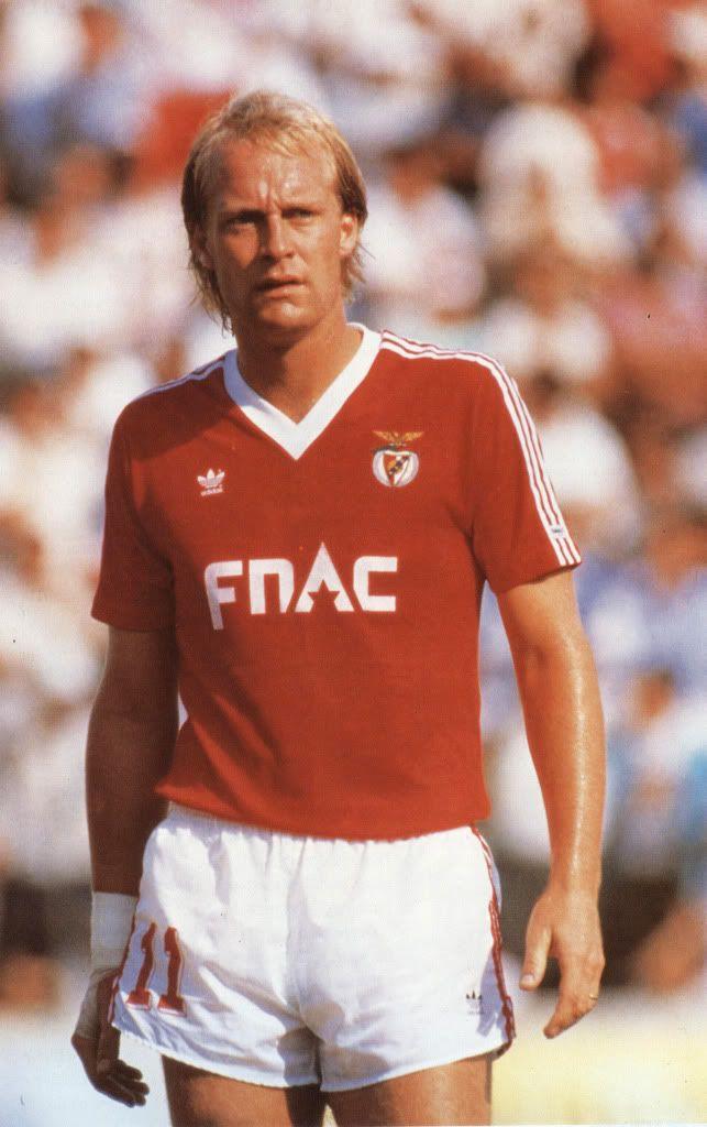Mats Magnusson ,  Benfica (1987-1992).