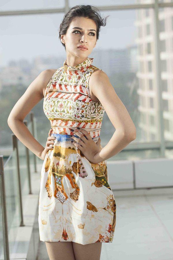 Varun Dhawan's Dilwale co-star Kriti Sanon is a fan of Punjabisongs!