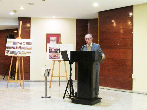 Con la pasión de quien ha dedicado su vida a defender una centenaria tradición familiar de amor a la viña y respeto al medio ambiente, describió Miguel Torres la labor de las Bodegas durante una conferencia ofrecida en el Hotel Meliá Habana.