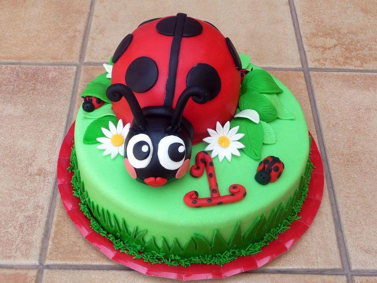 Cake Designs Ladybug : 1000+ ideas about Ladybug Birthday Cakes on Pinterest ...
