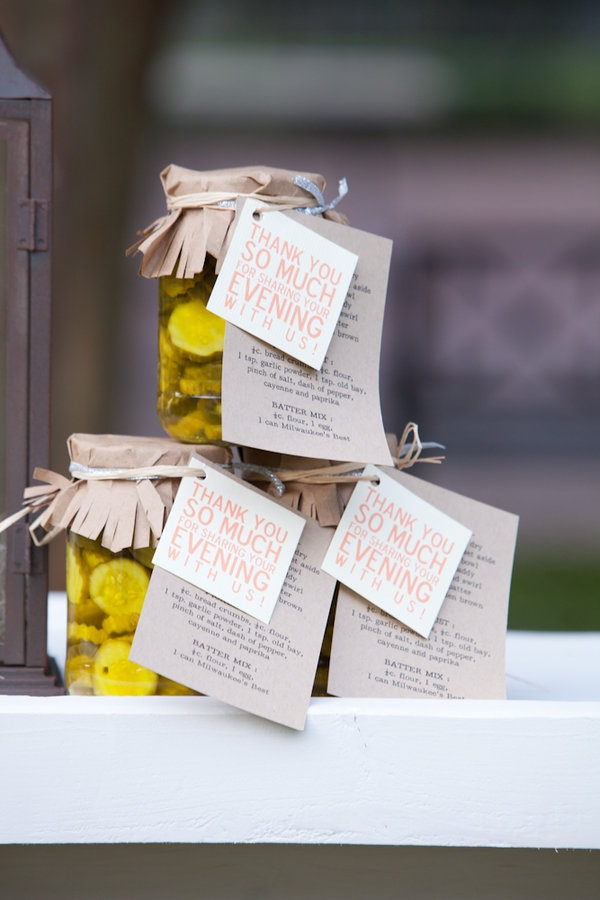 Homemade jarred pickles with the recipe for fried pickles attached. Adorable!! Hahahaha fried pickles and weddings