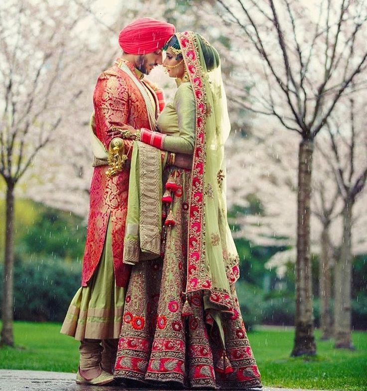 Oh my! So pretty that red and mint lehenga is just simply stunning and such an unconventional combination too! ❤️ it! Curated by #WittyVows the ultimate guide for the Indian bride | www.wittyvows.com