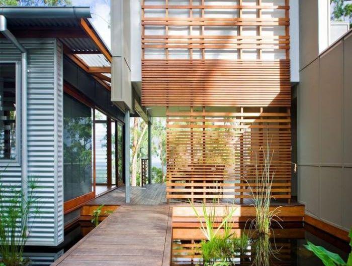 brise-soleil-architecture-moderne-terrasses-en-bois