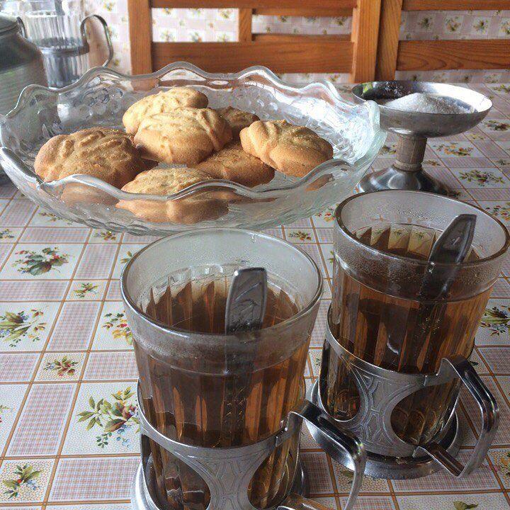Это наш полдник - сладкий чай с печенюшками :-)