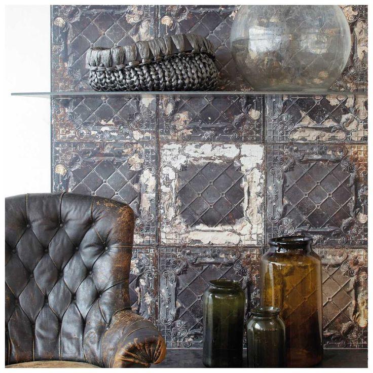 Houdt je van industrieel en vintage? Dan is de #Brooklyn #Tins #7 #Behang van #NLXL een mooie toevoeging aan je interieur | MisterDesign