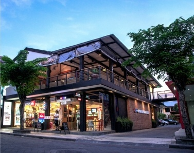 Quiksilvers New Boardriders Café and Store Now Open on Jalan Legian in Kuta, Bali    http://travelling-bali.com