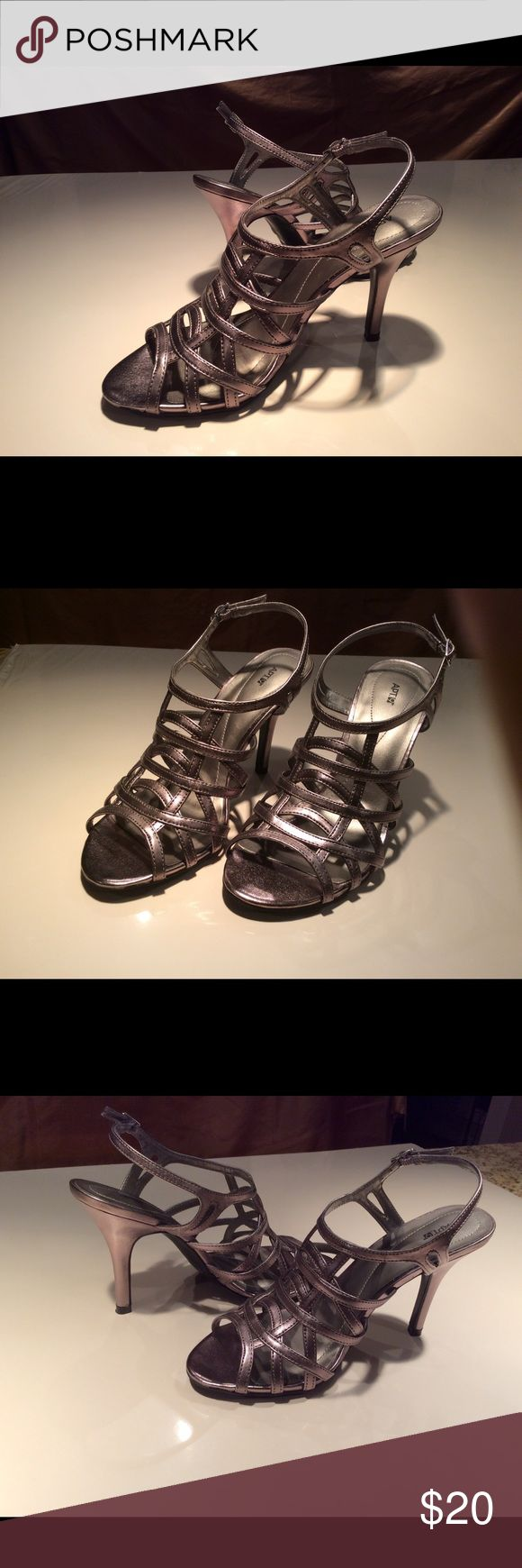 "Apt 9 Pewter metallic strappy high heel shoes Apt 9 ""Paytin"" pewter metallic strappy dress shoes. 4"" heel. like new, worn once. Sz. 7.5 true to size Apt 9 Shoes Heels"