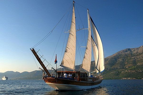 Angelica Gulet. 5 cabins and 10 berths. Available for charter in Croatia.