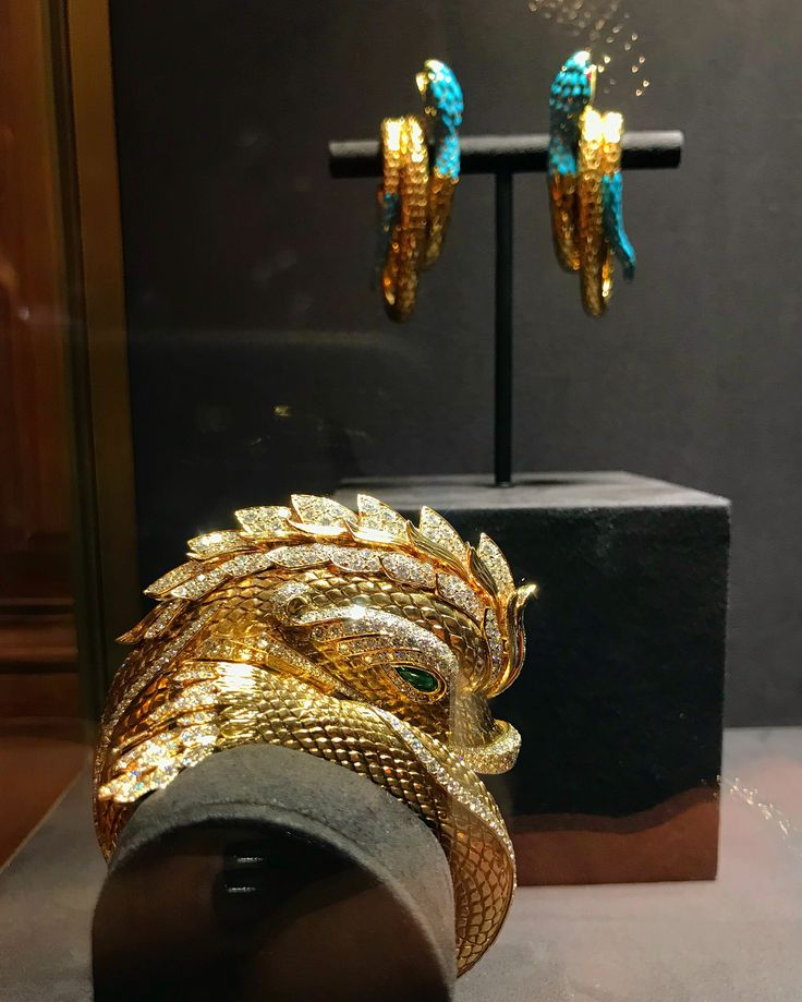 """The Cartier """"haute joiallerie"""" exhibition at Fifth Ave... magnificent pieces worn by legends."""