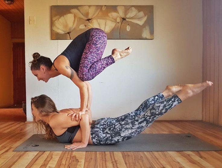 """64 Me gusta, 3 comentarios - Valentina Montes (@vmontes.yoga) en Instagram: """"Para todos y todas ! Se viene este entretenido taller de balances de brazos y handstand everywhere!…"""""""