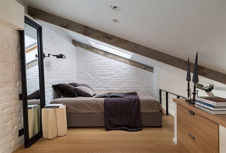 15-quarto-casal-teto-inclinado-tijolinho