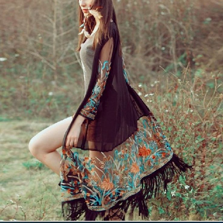 Gender: Women Collar: O-Neck Clothing Length: Long Sleeve Length: Full Style: Casual Fabric Type: Chiffon/Mesh Decoration: None Pattern Type: Print Sleeve Style: Regular Material: Chiffon/yarn Materia