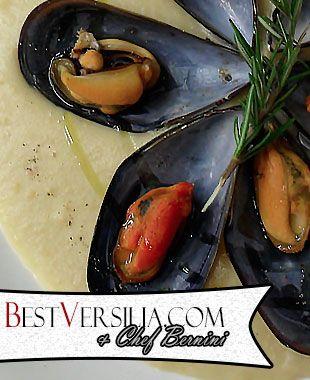 Crema di ceci con cozze al rosmarino: un piatto che colpisce tanto per il mix di sapori, quanto per la composizione estetica.   #Ricette #cucina