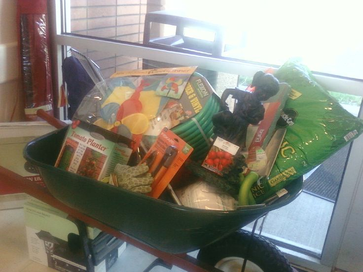 this is a great garden basket love the wheelbarrow think this would