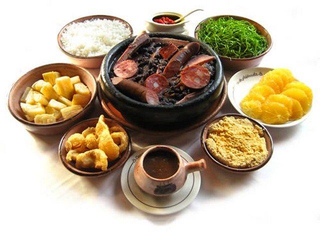 Feijoada completa - the national dish  Qual a sua maravilha preferida? #maravilhasrio #feijoada