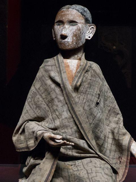 Effigie d'ancêtre tau tau, Indonésie, Sulawesi, fin XIXe-déb. XXe s., bois de jaquier, musée du Quai Branly (Paris, France) by Denis Trente-Huittessan on Flickr.