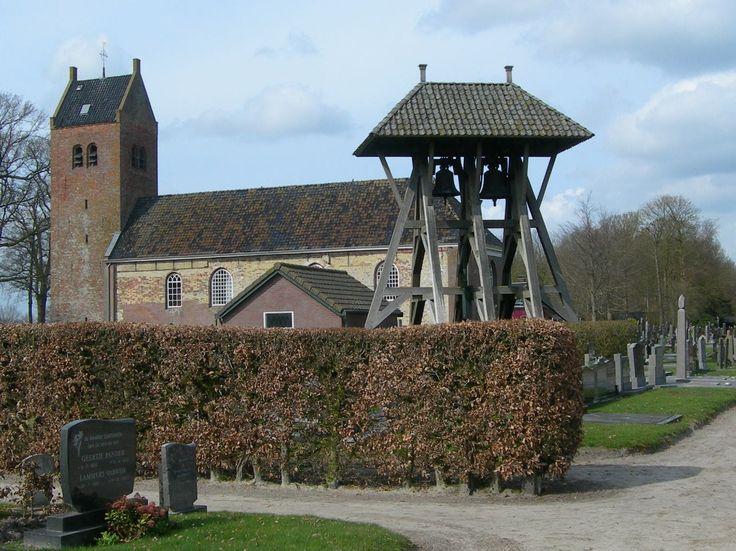 Kerk en Klokkestoel. Ureterp. Friesland Holland