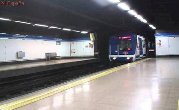 Un niño de 13 años pierde las dos piernas al intentar subirse a un vagón de metro en Madrid
