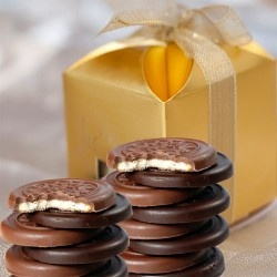 http://www.babyoye.com/baby-gifts/chocolates/chocolate-coated-biscuits.html