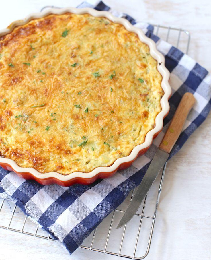 Deze aardappeltaart met prei en paprika is simpel om te maken! Je kunt de paprika, prei of courgette natuurlijk ook vervangen door broccoli, wortel of bloemkool. Recept voor 2 personen Tijd: 15 min. 30-40 min. in de oven Dit heb…