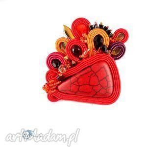 Czerwona broszka sutasz - ,sutasz,soutache,broszka,przypinka,howlit,energetyczna,  Energetic, intensive soutache brooch.  #sutasz #souatche #brooch #multanka #red #jewelry #artjewelry #handcrafted
