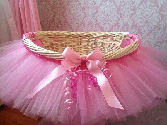 Would make a good prop for photographing baby girls. Only a tutu and headband.