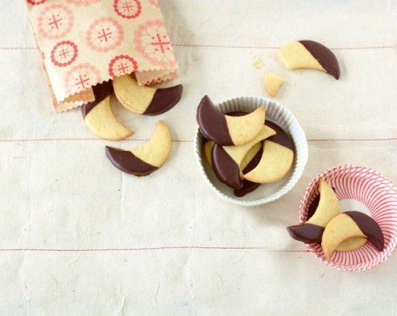 Vanillemonde 2 Eigelbe werden gebraucht (Eiweiß für das Pfefferkuchenhaus oder für die leckeren Zimtkugeln nehmen!)