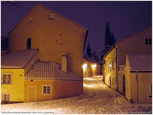 Praha/Prague/Prag-Hradcany, Novy svet a Cerninska by vratsab, via Flickr
