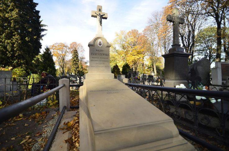 Znalezione obrazy dla zapytania stary grób