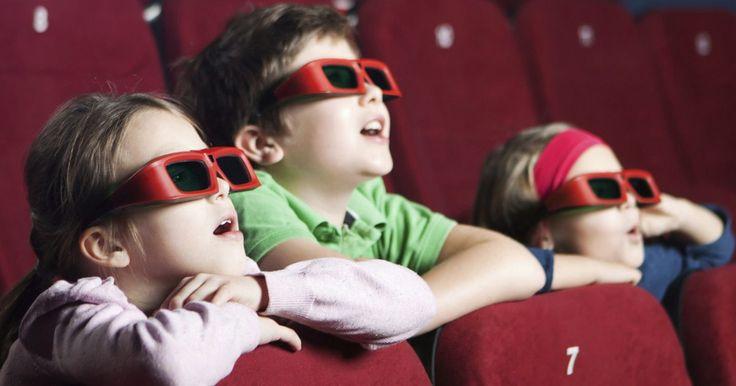 Filmes animados que toda criança deve assistir. Nos últimos dez anos, os estúdios de cinema investiram em boas e emocionantes histórias infantis. Os filmes de animação ganharam a fidelidade das crianças e logo também conquistaram os adultos, já que trazem roteiros com boas lições de vida e ensinamentos para todas as idades. Veja a seguir 12 ...