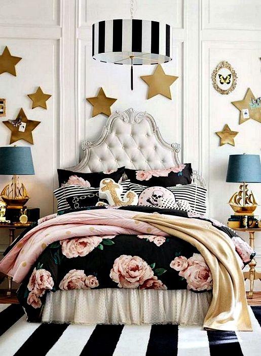 Гламурный интерьер спальни девочки подростка.