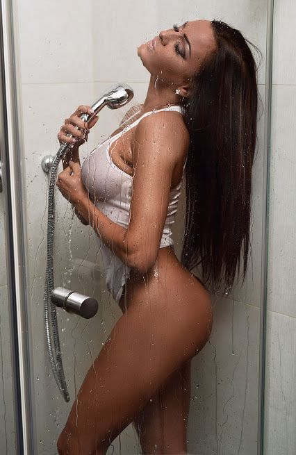 naked amateur pics of quad cities women