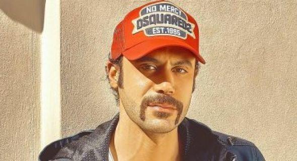 محمد إمام في التجمع الخامس اليوم لتصوير مسلسل هوجان Baseball Hats Baseball Cards Baseball